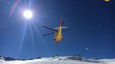Travolto da valanga, muore scialpinista