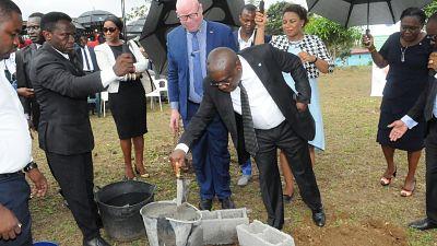 BGFIBank Guinée Equatoriale et la Fondation BGFIBank offrent une Ecole publique aux enfants du village Basile Bubi en Guinée Equatoriale