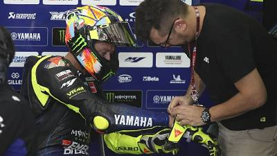 Sepang,Rossi in pista con casco dedicato