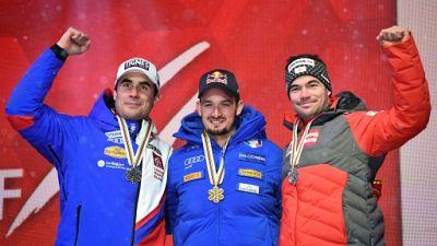 """Mondiaux de ski: Paris sacré en super G, le """"Papy"""" Clarey 2e"""