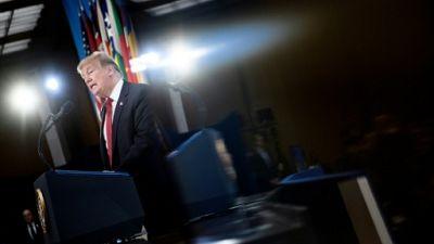 """Trump entrevoit la reprise imminente de """"100%"""" des territoires de l'EI"""