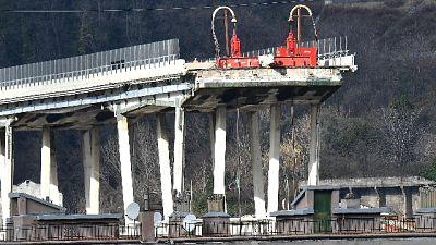 Ponte Genova: domani Conte al taglio
