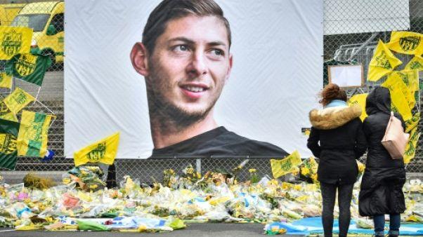 """Sala: la famille """"commence"""" son deuil, pluie d'hommages pour le joueur"""