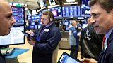 الأسهم الأمريكية تغلق شبه مستقرة مع استمرار مخاوف التجارة