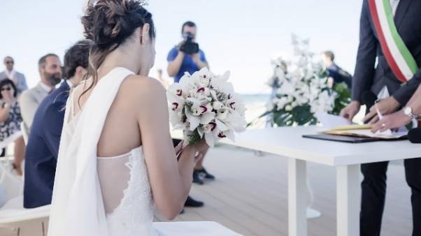Finti matrimoni per permessi soggiorno