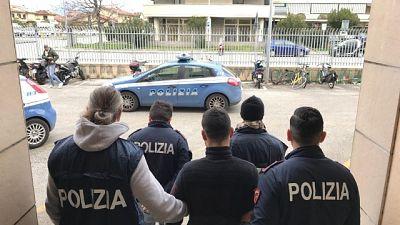 Agente ferito Viareggio, fermato giovane