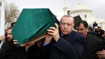"""Immeuble effondré à Istanbul : 21 morts, Erdogan appelle à """"tirer les leçons"""""""
