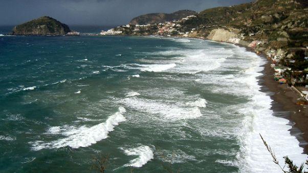 Stop aliscafi per Ischia e Procida