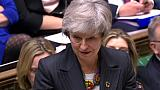 """Brexit: Theresa May demande """"du temps"""" pour obtenir un accord modifié"""