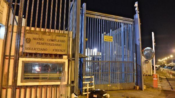 Droga in pacco per detenuto Sollicciano