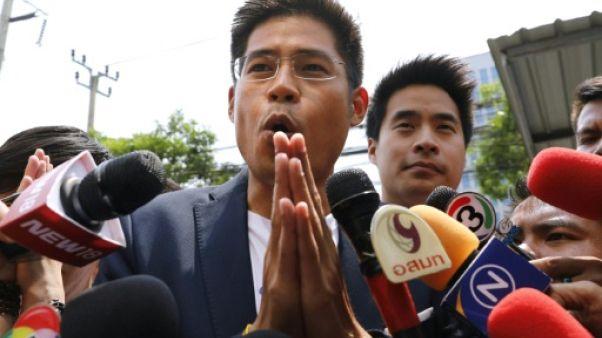 Elections en Thaïlande: premier pas vers la dissolution du parti lié à la soeur du roi
