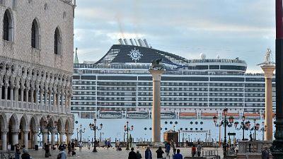 Mit, navi fuori dalla laguna di Venezia
