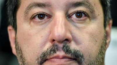 Salvini riceve la maglia di Piatek