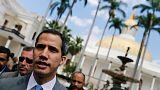المعارضة في فنزويلا تتخذ خطوات للسيطرة على إيرادات النفط