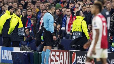 Var, Uefa spiega decisione in Ajax-Real