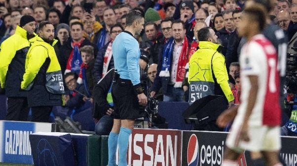Var, Uefa spiega decisione in Ajax-Real