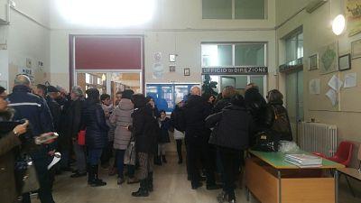 Topi in scuola Calabria, protesta mamme