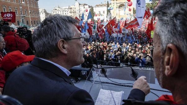 Decretone: sindacati, attacco a libertà