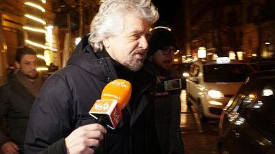 Grillo: era battuta, fiducia a Di Maio