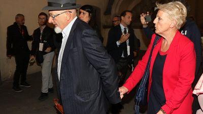 Arresti domiciliari per genitori Renzi