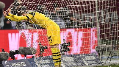 Dortmund frena, il Bayern adesso è a -3