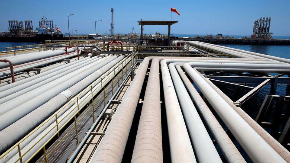 Saudi Arabia cuts exports of light crude oil to Asia in