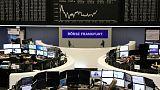 أسهم أوروبا تنخفض من أعلى مستوياتها منذ أكتوبر تحت ضغط البنوك