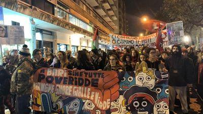 Corteo anti Salvini a Bari