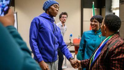 """Semenya: la ministre sud-africaine des Sports accuse l'IAAF d'""""atteintes aux corps des femmes"""""""
