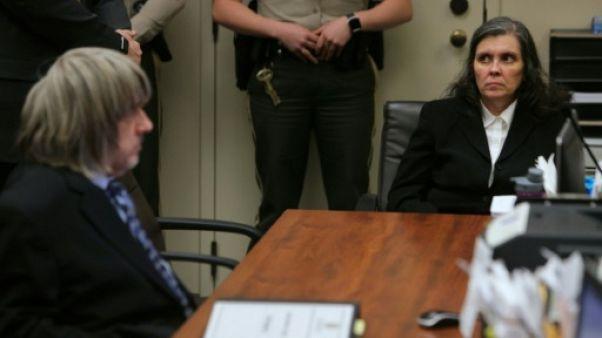 """Etats-Unis: les parents de la """"maison de l'horreur"""" reconnaissent avoir torturé leurs enfants"""