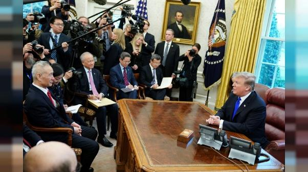 """Commerce USA-Chine: """"très bonnes chances"""" d'arriver à un accord, selon Trump"""