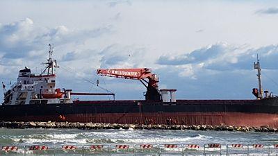 Mercantile arenato:sopralluogo a bordo