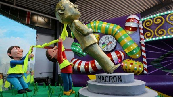 """Macron et les """"Gilets jaunes"""" s'invitent au carnaval de Cologne"""