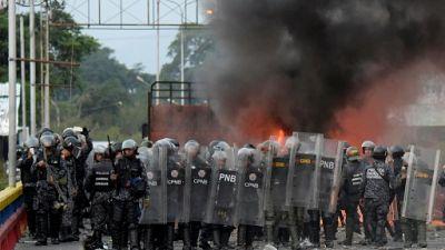 La frontière bloquée, des Vénézuéliens dans les limbes en Colombie