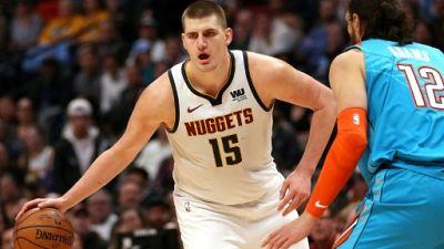 NBA: Denver et un brillant Nikola Jokic terrassent Oklahoma