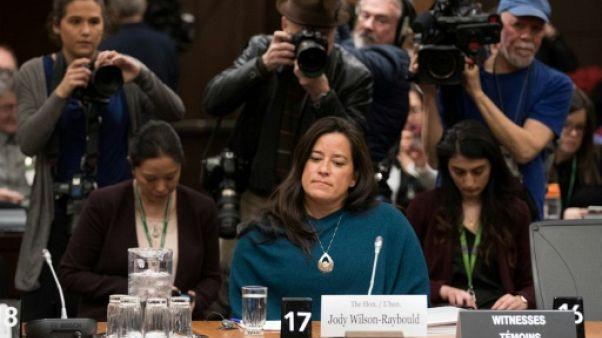 """Une ex-ministre de Trudeau dénonce des """"pressions"""" pour empêcher un procès"""