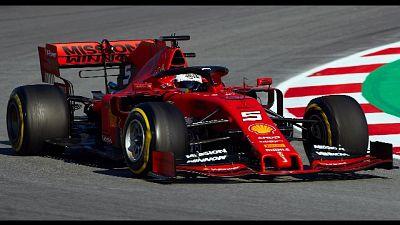 Ferrari, Vettel fuori per danno cerchio