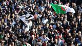 الشرطة الجزائرية تفرق صحفيين يحتجون في العاصمة