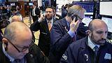 الأسهم الأمريكية تنخفض قليلا في بداية جلسة التداول