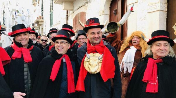 Carnevale: Decaro 'Gran cornuto' 2019