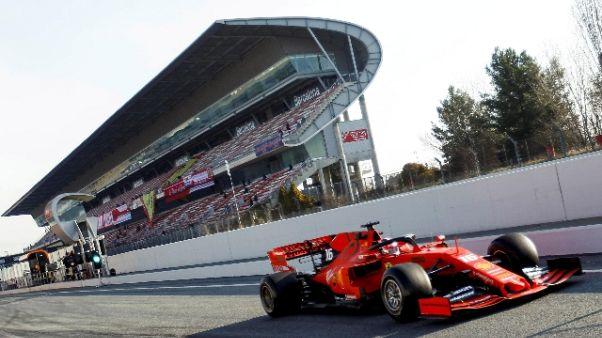 F1: test Barcellona, Lecler vola