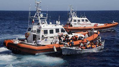 Libia: da Italia 20 gommoni, bus, radio