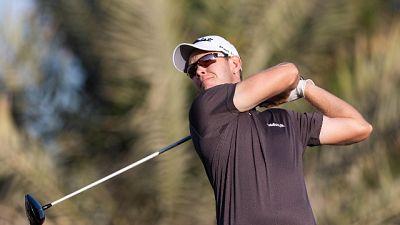 Golf: Oman Open sospeso per maltempo