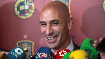 Stop calcio lunedì,Spagna ascolta tifosi