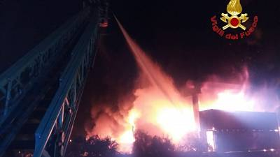 Incendio nel Comasco