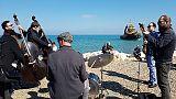 Mercantile arenato:flash mob in spiaggia