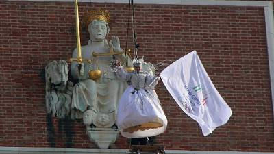 Carnevale Venezia,'volo' Arianna Fontana
