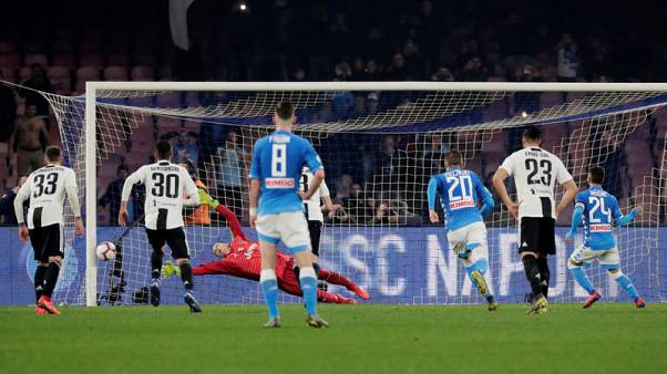 Juve win after two sent off and Napoli miss late penalty