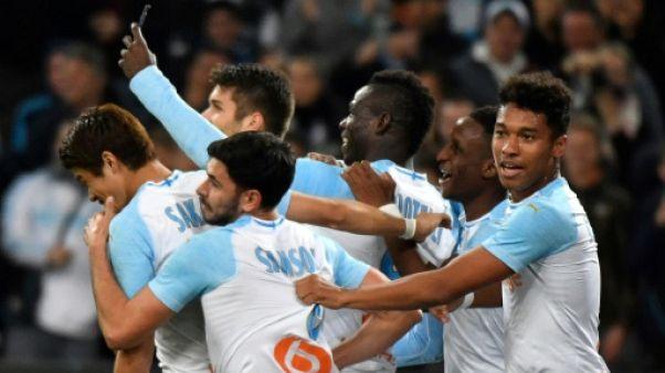 """France: l'OM de """"Super Mario"""" double les Verts, Lyon se fait plaisir"""