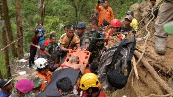 Mine effondrée en Indonésie: l'espoir s'amenuise pour les mineurs prisonniers